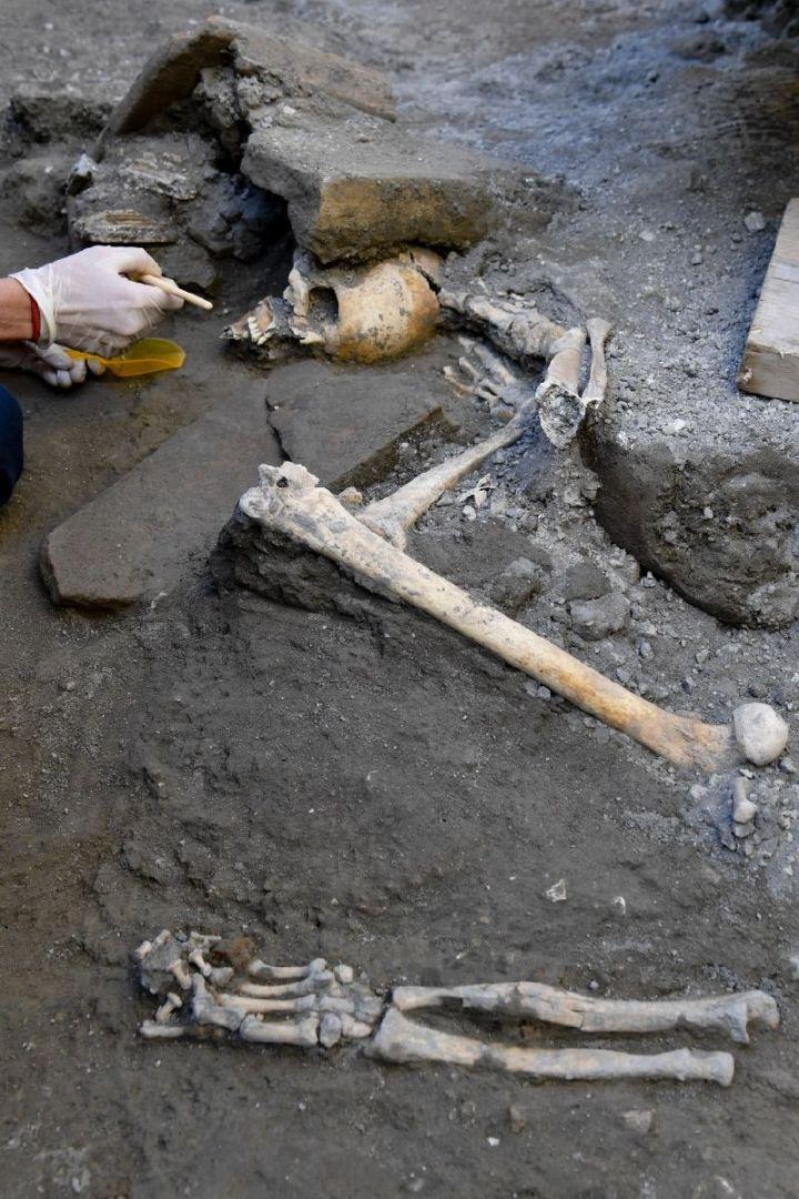 Stanza degli scheletri 3