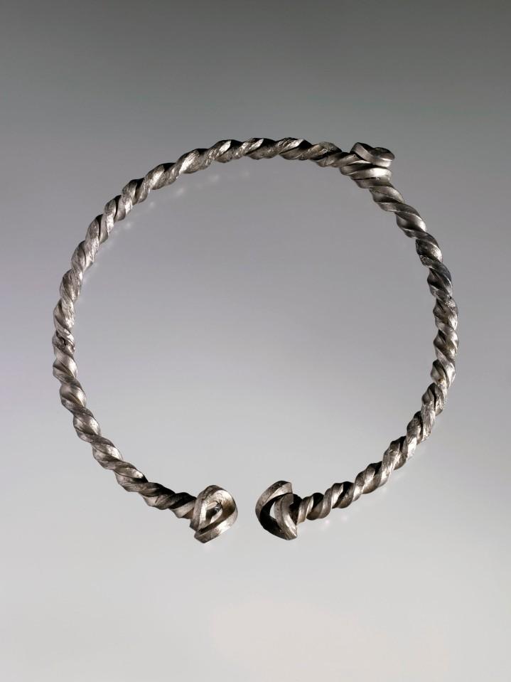 Piacenza 10_Torquis in argento dal Museo di Brescia