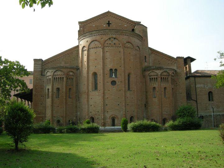 1280px-abbazia_di_nonantola2c_absidi