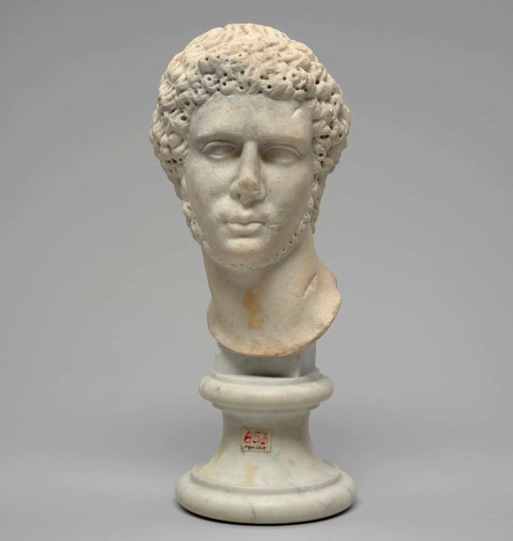 5-ritratto-maschile-in-marmo.jpg